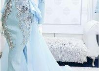 gaun pengantin ekor