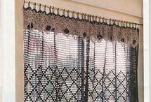 Háčkovaná záclona