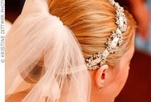Bridal Veils and Accessories We Love