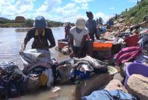 Manasa lamba (Faire la léssive) ;) / Pas de machine à laver le linge, à Madagascar on fait encore la lessive à main