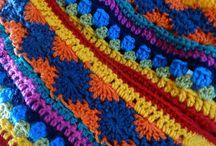 Crochet Along 2014 / AS-WE-GO STRIPEY BLANKET Lindevrouwsweb: http://www.lindevrouwsweb.blogspot.nl/2014/01/crochet-along-2014.html  Het oorspronkelijk Engelstalige Haakpatroon komt  van NotYourAverageCrochet     http://notyouraveragecrochet.com/as-we-go-stripey-blanket/