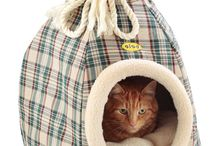 Duffle Beds / Stylish innovative pet bed with unique pull out 'spider' support, for cats and small dogs