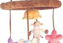 Vauvalelut / Vauvan lelut, Ensilelut, Helistimet, Purulelut, Soittolelut, Puuhamatot, Mobilet