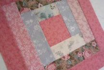 Log Cabin Quilt Patterns / http://quilting.myfavoritecraft.org/log-cabin-quilt-pattern/