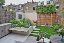 Tonsley by Really Nice Gardens / We designed this small Wandsworth garden to be bright and colourful. Dining and lounging areas were added and the finished space felt even bigger.
