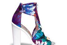 We LOVE shoes / ¿Qué es lo que más aman las mujeres? Aparte de los diamantes, los zapatos.