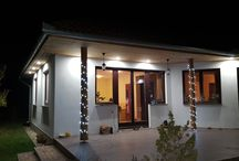 Családi ház külső megvilágítása és fürdő LED világítása
