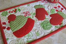Quilted Mug Rugs / Quilting