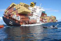 Shipwrecks, Ship & Boating Accidents & Disasters.