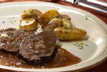 Köstliche Braten-Rezepte / Auf diesem Board findest du leckere Braten-Rezepte, vom klassischen Schweinebraten bis hin zu modernen (Braten-)Varianten. Das Motto lautet hier: Probiere öfter mal was Neues und bring Abwechslung in die Braten-Küche.