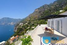 Casa Guarracino / Casa Guarracino is a beautiful, secluded apartment located in Vettica di Praiano with the amazing view of Positano, Li Galli and Capri island. The property has been recently renovated and lies in a tranquil area of the village.