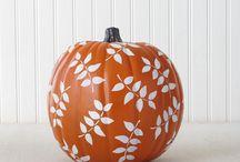 Pumpkin decorating-Halloween and Apples caramel