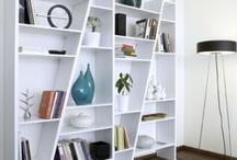 Idées salon  / Ce salon doit évoluer, l'armoire est continuellement en désordre!
