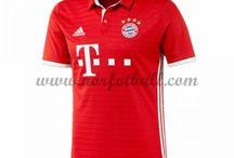 Kjøpe billige Bayern Munich fotballdrakter 2016-17 på nett / Billige Bayern Munich fotballdrakter salg på nett. Få høy kvalitet hjemme/borte/tredje Bayern Munich draktsett fotball i Kortermet/Langermet her