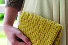 Knitted Accessories / Do you love to accessorize your outfits with a quick project? We have the best knitted bags, hats and jewellery for you. Simply download the patterns as a PDF and start your new project today! Have fun!