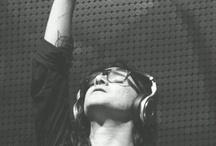 Music ♪♫-__-♫♪