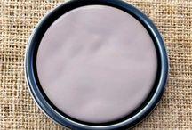 Chalk Paint® Emile / Chalk Paint® decorative paint by Annie Sloan