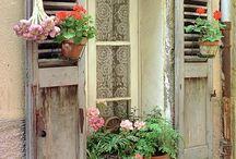 HOMES & FLOWERS