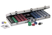 Poker Chip Set / 300 pieces 11.5 Gram  Poker chip sets With the Aluminum Case by TMCARDS DOT COM set is perfect for the home tournament player that want to impress your poker buddies.