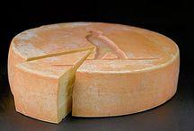 Raclette De Compton / Biologique. Nature et au poivre. lait de vache. Fromagerie La Station. http://www.fromagerielastation.com/