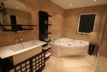 Unique bathrooms / Luxury bathrooms crafted by Lomax Interiors.