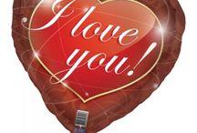 Valentijnsdag Versieringen / Doe ideeën op voor Valentijnsdag met romantische versieringen zoals een ballon in hartvorm, rozenblaadjes of slingers. Gebruik de volgende link: http://www.feestwinkel.nl/seizoens-feesten/valentijnsdag/