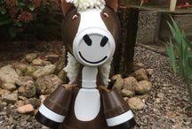 Clay pots / Horse