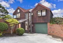 Home Staging - Aramoana Mews / Full staging of a two bedroom cedar home