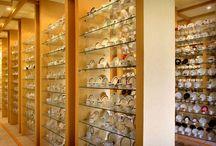 O nosso é virtual. Mas, esse Museu das Xícaras é em carne e osso. Ele fica na fábrica do Café 3 Corações, em Natal, Rio Grande do Norte. Que tal ir visitá-lo?