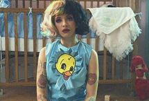 melanie martinez / So what if I'm crazy? The best people are  Deliysem ne olmuş yani? En iyi insanlar öyle