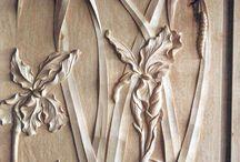 Atelier de Sculpture / Spécialisé dans la restauration et la copie des ornements du 18ème siècle, l'atelier aborde depuis plus de 40 ans tous les répertoires : statuaire, ronde bosse, bas et très bas relief, depuis le 15ème siècle jusqu'à l'Art Déco. Il emploie un sculpteur qui a obtenu en 2011, le titre de Meilleur Ouvrier de France.