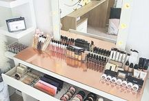 Make up table / dressing room