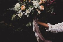 Posing Wedding - Flowers and Bouquets