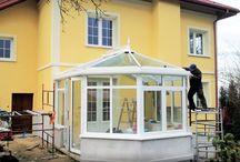 Ogród zimowy Tarnów, oranżeria / Piękny ogród zimowy w białym kolorze. Dekoracje w stylu wiktoriańskim. Projekt, produkcja, montaż - kompleksowa realizacja firma Przybylski www.przybylski.net.pl