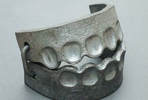 Iron & Steel Jewellery / Jewellery constructed with iron or steel as main material