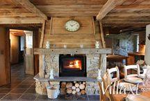 ☀ Warm de winter door / Laat je inspireren door onze gezellige vakantiehuizen die voorzien zijn van een heerlijke open haard. Zo ben je verzekerd van een warme vakantie tijdens de winter!