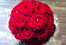 Red Themed Wedding Flowers