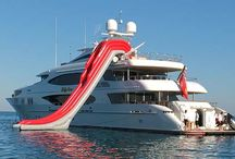 Inflatable Luxury Water Yacht Slides / Sliding the side of your yacht is fun with your custom built, inflatable slide.