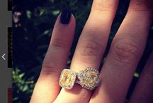 Mellow Yellow / beautiful Fancy Yellow Diamond pieces that will be sure to brighten you day =D