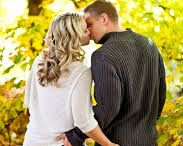 Engagement photo ideas / Engagement photo poses / by Mindy Ross