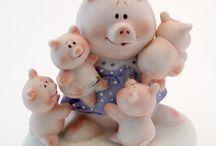 Piggy Figurine ~ Family