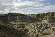 Geology of the Badlands / Floodwaters from melting glaciers carved the Red Deer valley badlands more than 10,000 – 15,000 years ago.
