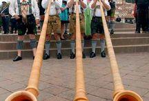 OktoberFest Monaco di Baviera / La bellissima festa di Monaco di Baviera. Fiumi di birra e tanto divertimento.  http://www.risparmiate.it/offerte/monaco-di-baviera/