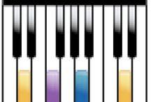 Joululaulut pianolla! / Tässä taulussa soitan joululaulut pianolla