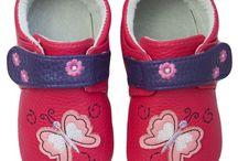 Zapatos niña suela de goma primeros pasos / Los adorables zapatitos de Rose et Chocolat, completarán el vestuario de tu pequeña, aportanto estilo y comodidad . Fabricados en piel de primera calidad-100% transpirable, con suela de goma suave y flexible que aporta protección y estabilidad.
