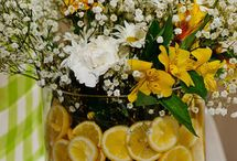 Floral Arrangements / by Genesia Johnson