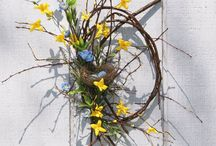 Wreaths and door decor / by Cindy Chumas Werner