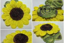 Criss cross crochet flowers, leafs and butterflies / by natasja Koekoek