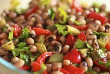 Salatalar / Bu kategorimizde mevsim salataları ve diyet salataları tariflerini bulabilirsiniz.