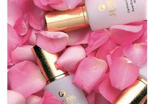 Beautiful Rose / Rose extract is known to inhibit pigmentation - reducing age spots, is an excellent emollient - deeply moisturising dry skin and treats redness and inflammation.
